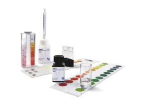 Chemische Wasseranalysetests von Merck
